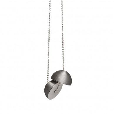 minimalistický šperk, foto Tomas Brabec
